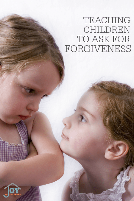 Teaching Children to Ask For Forgiveness - Child offend each other a lot. Recognizing their own mistakes aren't easy unless it is taught. These tips will help! | www.joyinthehome.com